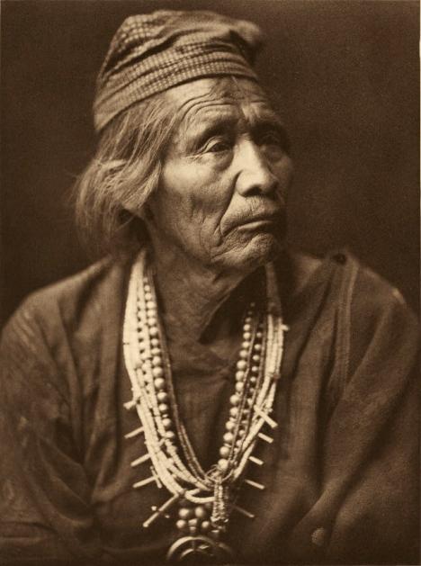 Navajo_medicine_man