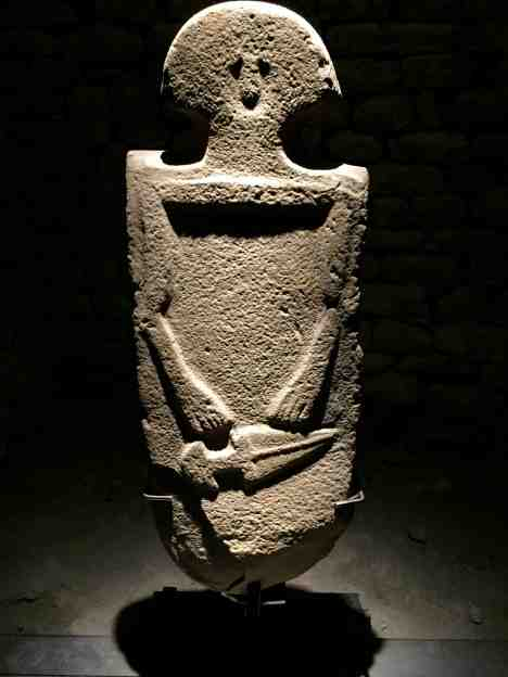2-statua-di-guerriero